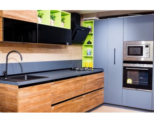 Кухни с супер матовыми фасадами FENIX